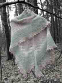 Absolutnie kobieca, duża, szydełkowa chusta chustki i apaszki