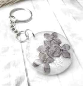 1098 mela - brelok do kluczy z żywicy kwiaty bzu breloki art