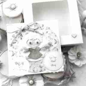 Personalizowana kartka z aniołkiem stróżem w pudełeczku