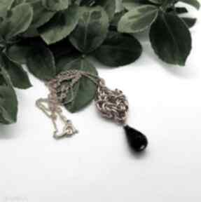 Zawieszka chainmaille na pozłacanym łańcuchu - czarny onyks