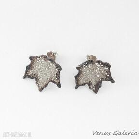 Kolczyki srebrne - klon mały na sztyftach venus galeria