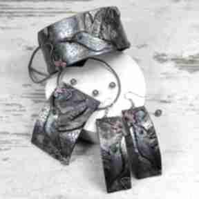 Duży komplet biżuterii koliber - długie kolczyki, naszyjnik
