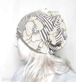 czapki! nie oceniaj jej surowo, ma prawo być krową D1