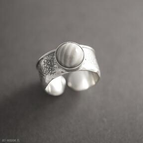 Pomysły na prezenty pod choinkę. Srebrny pierścionek
