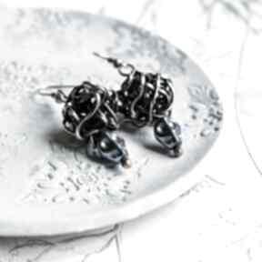 Skulls - kolczyki z hematytem tęczowym pracownia miedzi czaszki