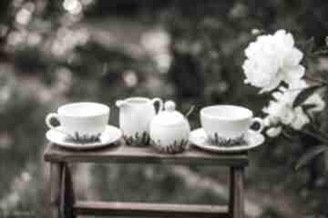 Zestaw do kawy i herbaty dwie filiżanki, cukiernica, mlecznik