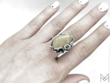 Srebrny pierścionek z mlecznym bursztynem mychoice z-bursztynem