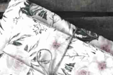 Tetrowy otulacz - różowe kwiaty pokoik dziecka musslico otulacz