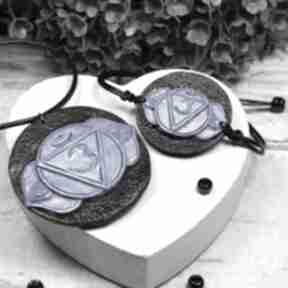Komplet biżuterii ajna - wisiorek i bransoletka czakry trzeciego