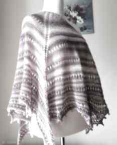 Magnolie pudrowo-różana chusta chustki i apaszki buenaartis