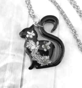 1165 - wisiorek z żywicy kot kwiaty wisiorki mela art wisiorek