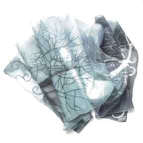 Drzewa w błękicie szal jedwabny ręcznie malowany chustki