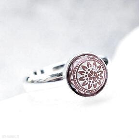 Mały srebrny pierścionek regulowany silvella srebrny, srebro