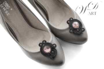Klipsy sutasz do butów czarno czerwone ozdoby wdart sutasz