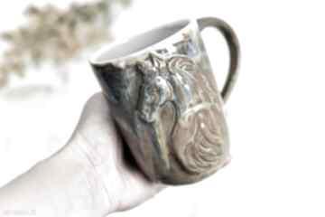 Handmade ceramiczny kubek z koniem - opal 500 ml ceramika