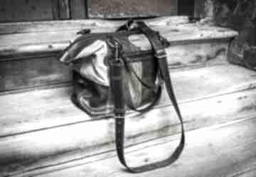 Mała, stylowa torebka z naturalnej skóry wykonana ręcznie przez