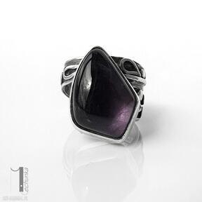 Moor - srebrny pierścień z ametystem miechunka pierścionek