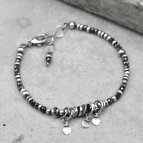 Surowa srebrna bransoletka z czarnym spinelem 161 grey line