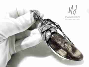 wisiorki. bransoleta-ze-srebra naszyjnik-z-bursztynem dla-kobiety