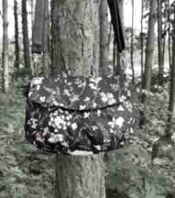 Torebka z klapką - polne kwiaty na ramię torebki niezwykle