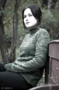 Zielony melanżowy sweter z kominem swetry hermina z-kominem