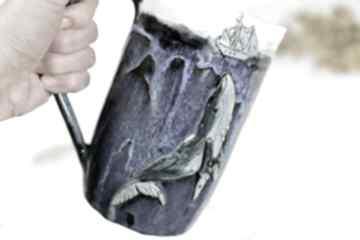 Dzbanek na napoje z motywem wieloryba - granatowo biały 1