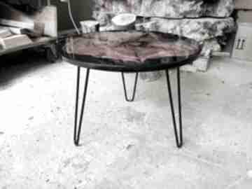 Okrągły stolik kawowy z żywicą 7 stoły andrzej kasprzak platan,