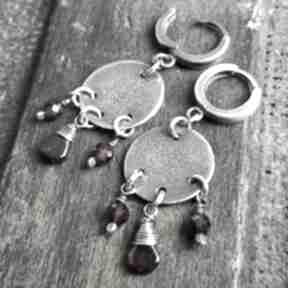 Kolczyki ze srebra i granatów treendy metaloplastyka, srebro