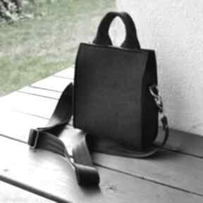 Torebka listonoszka filcowa - czarna mini beltrani torebka, mała