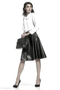 Spódnica rozkloszowana z eko-skóry, t300, czarna spódnice