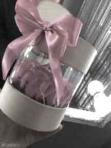 Super prezent box kwiaty z mydła w tubie kosmetyczki mira