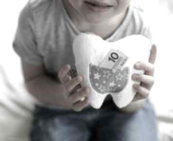 Poduszka dziecięca ząbek mały maskotki ateliermalegodesignu