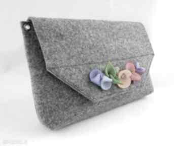 Mała szara torebka kopertówka z kwiatkami filcu green sheep