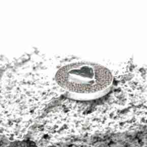 Srebrna bransoletka z serduszkiem w żywicy silvella srebrne
