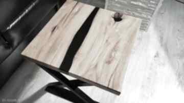 Stolik kawowy z akacji, żywica - rzeka stoły sciete i pociete