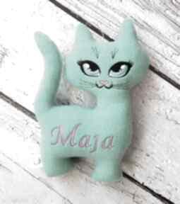 Miętowy kot z personalizacją maskotka imieniem dziecka metryczka