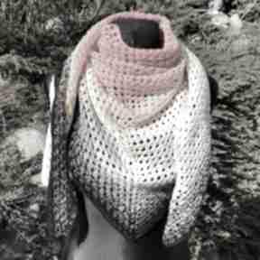 Chusta wykonana ręcznie ognista chustki i apaszki nitkowelove