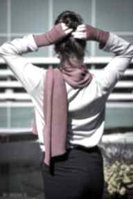 Ciepły szal w kolorze fuksji szaliki hermina na prezent, szalik