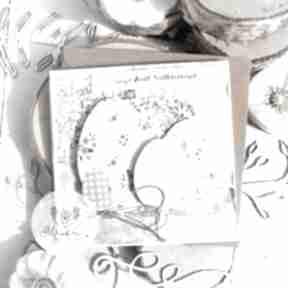 Pomysł na prezent świąteczny? Subtelna kartka wielkanocna święta