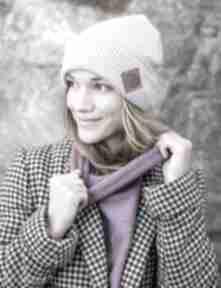 Wywijana dwustronna logo z ekoskórki lavendowe love czapki brain