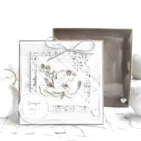 Kartka urodzinowa imieninowa w pudełeczku z efektem szklanej
