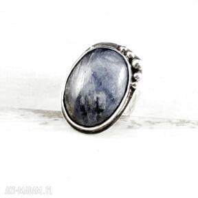 Ewaskosrebrny-pierścionek niepowtarzalna-biżuteria ooak kyanit