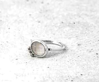 Kwarc różowy zgustem pierścionek srebrny, kwarc, z-kamieniem