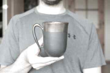 Kubek ceramiczny czarny mat i złoto 325ml kubki ciepliki kubek
