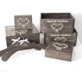 Zestaw drewnianych ozdób na ślub księgi gości biala konwalia