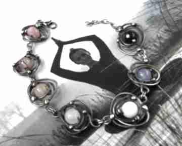 Miedziana bransoletka z kamieni kolory tęczy witrazka miedziana