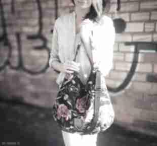 Hobo welurowe piwonie na czarnym ramię sabi tatka damska torebka