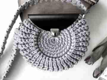 Szydełkowa damska torebka oreo kolor lawenda na ramię