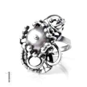 Stamnibus ii srebrny pierścień z perłą miechunka perła