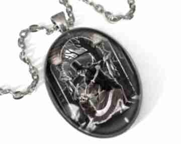 Taniec szkieletów owalny medalion łańcuszkiem romantyczny prezent